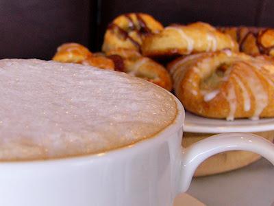 E.A.T World: Austria - Melange Coffee With Aerolatte Foam