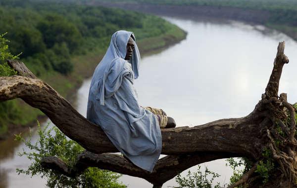 Des dizaines de milliers d'autochtones dépendent de la rivière pour leur survie.