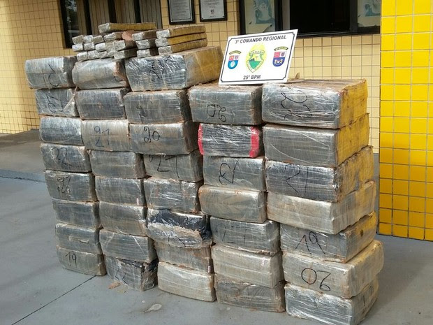 Droga foi comprada na fronteira com o Paraguai, segundo a polícia (Foto: Polícia Militar/Divulgação)