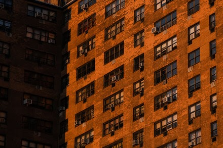 TREND ESSENCE:New York Bans Most Evictions as Tenants Struggle to Pay Rent