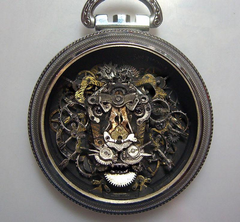 Pequenas esculturas steampunk feitas à base de relógios reciclados 02