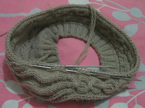 http://craft-craft.net/wp-content/uploads/2012/01/cabled-beret-women-knitting-patterns-craft-craft-62814468292147009757.jpg
