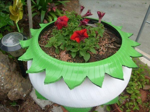 10 Best Recycled Tyre Ideas For The Garden Images