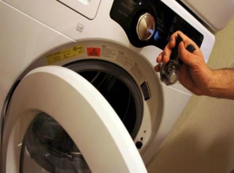 Βάλτε 1 κ.σ. σε κάθε πλύση ώστε να μην ξεθωριάσουν τα ρούχα σας.