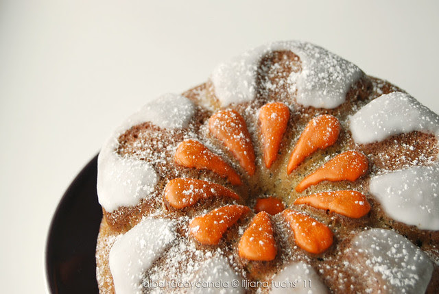 Lemon poppy seed narcisus cake