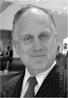 http://upload.wikimedia.org/wikipedia/commons/thumb/4/44/Ronald_S_Lauder_Jan_2008.jpg/220px-Ronald_S_Lauder_Jan_2008.jpg