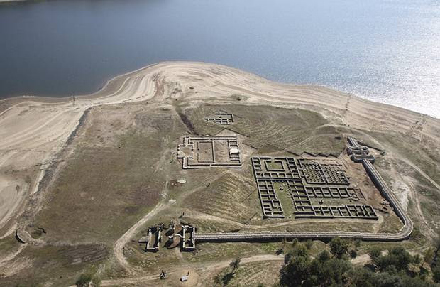 El sistema de fortificaciones ayudó a los romanos a defenderse de los feroces piratas y tribus hostiles de la península de Istria.