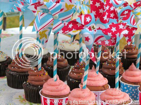 Pinwheel cupcakes: www.sugarmamabakeshop.com