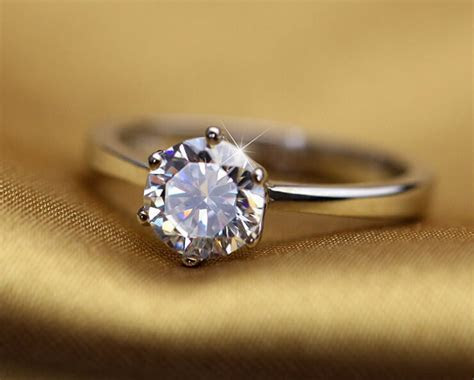 What we found out: Difference Between Cubic Zirconia And