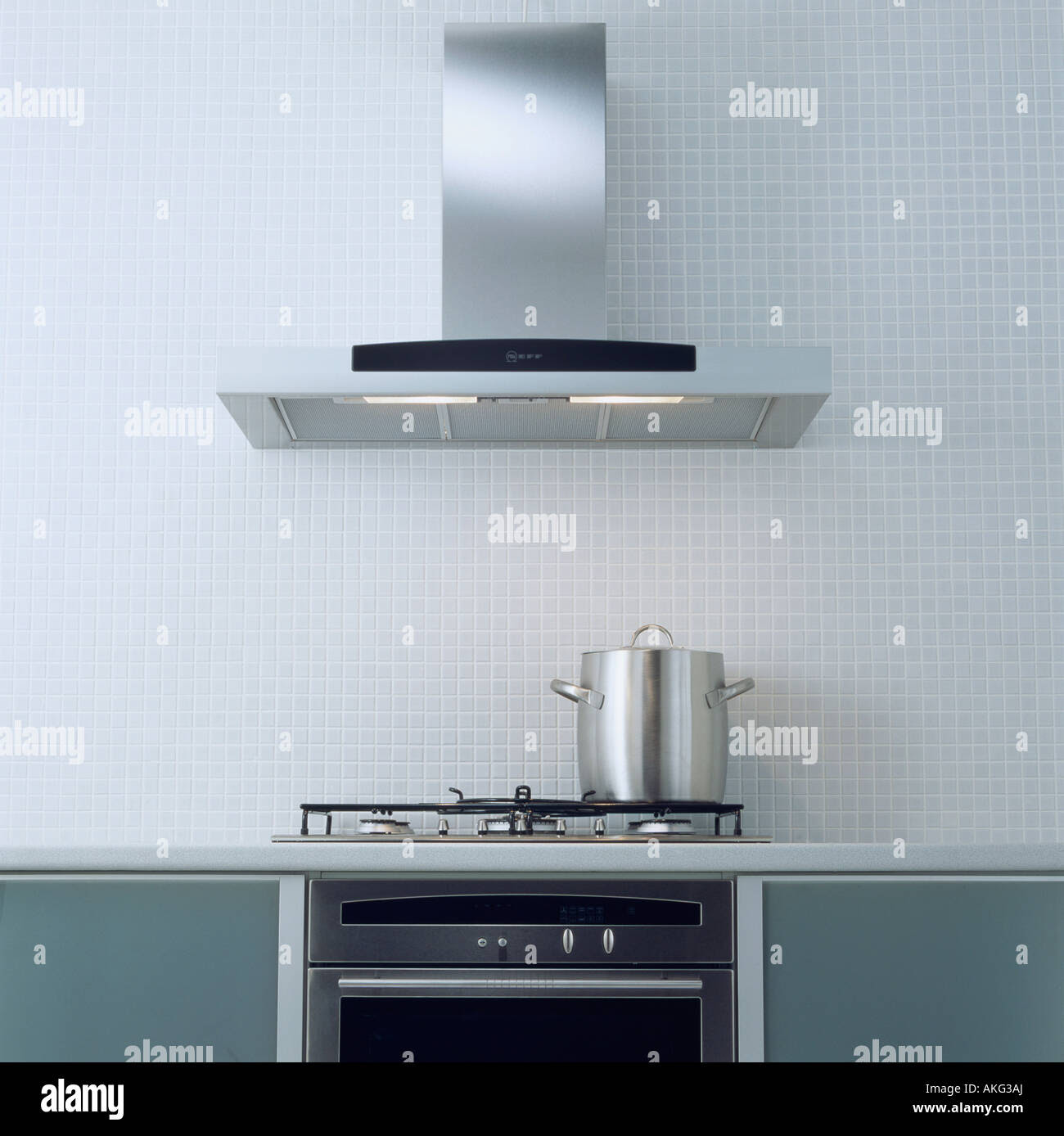 Modern Kitchen Extractor Hoods | Swing Kitchen