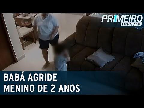 Babá é presa em flagrante após agredir criança de 2 anos com cabide; vídeo