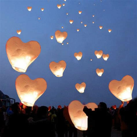 sky lanterns ideas  pinterest floating