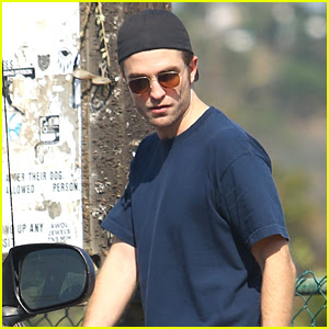 Robert Pattinson Gets In Some Exercise at the Dog Park