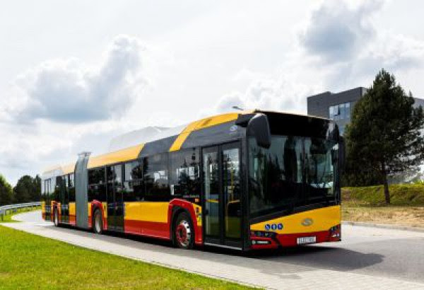Warsaw Takes 18 metre Long Electric Solaris Urbino's
