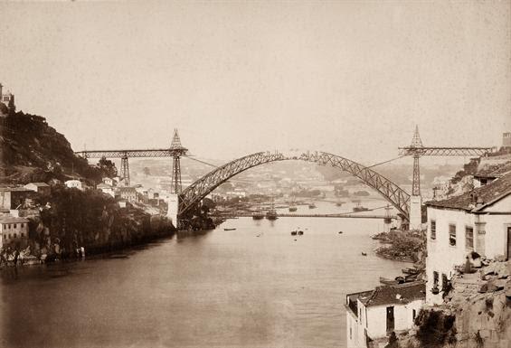 Ficheiro:Porto. Ponte D. Luís. Tabuleiro central em construção.jpg