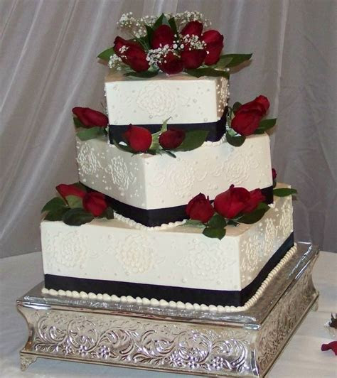 black and white cakes with red flowers   Black, white and