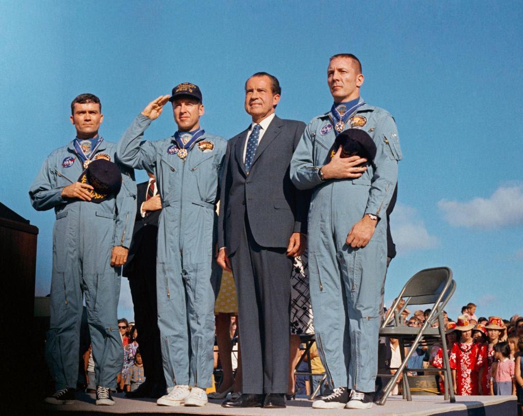 Apr18-1970-Apollo13-presidential-medal