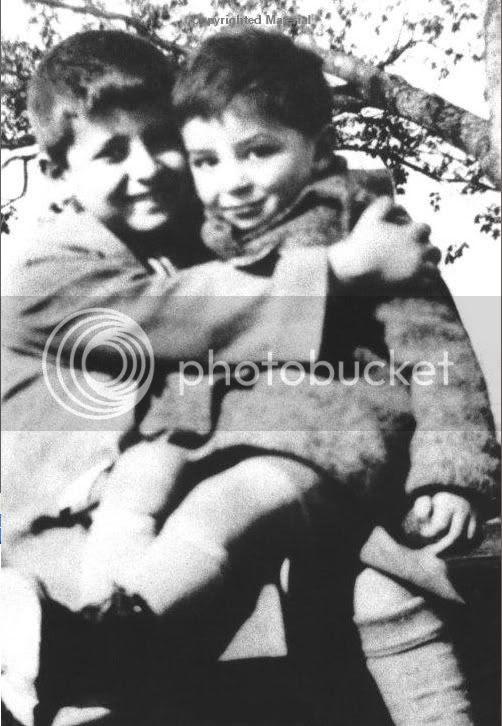 Nesuhi & Ahmet in London 1920s