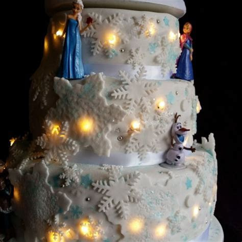 Frozen light up cake   cake by Tracey   CakesDecor