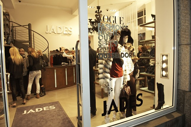 9d - Vogue_Fashions_Night_Out_Duesseldorf_Jades_016