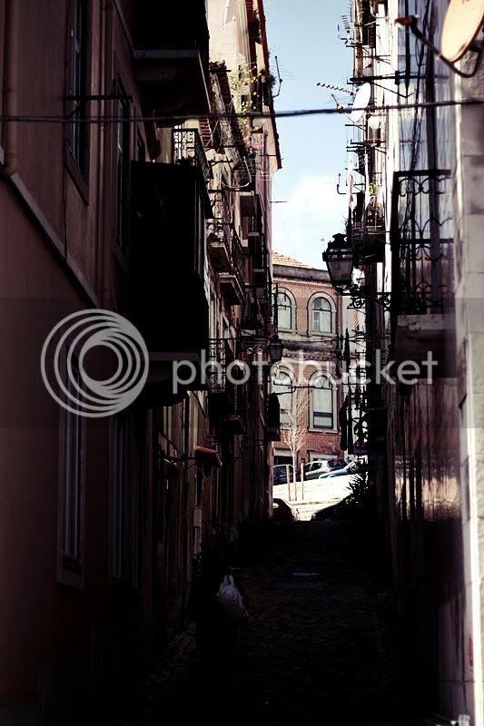 photo LISSABON_LISBON_LISBOA_PORTUGAL_TRIP_TRAVEL_HOLIDAYS_ALFAMA_STREET_GASSE_zpsa8db1649.jpg