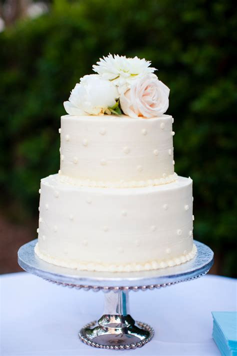 Two Tier Polka Dot Buttercream Wedding Cake    Cakes   Butte