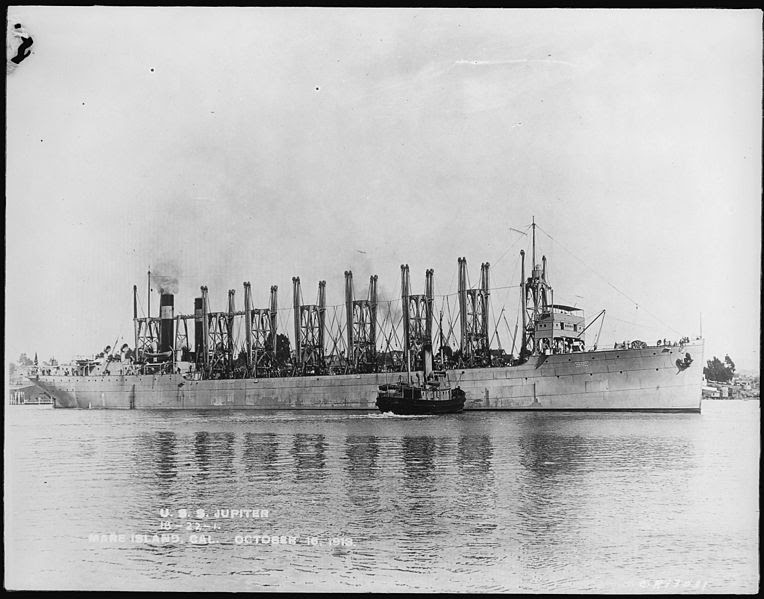 File:Jupiter. Collier 3. Starboard bow, 10-16-1913 - NARA - 512992.jpg