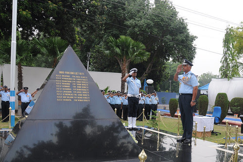 Air Marshal J Chauhan, AOC-inC Central Air Command at Wreath Laying Ceremony by Chindits