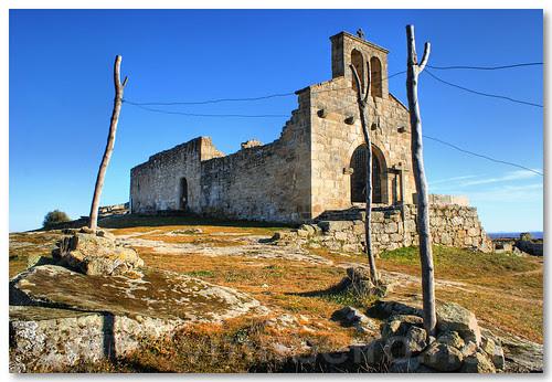 Igreja de Santa Maria do Castelo by VRfoto
