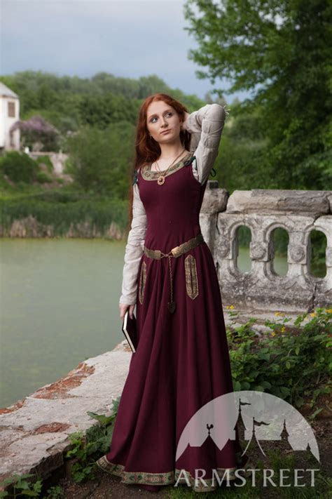 Medieval Dress ?Greensleeves? for Noblewomen . Available