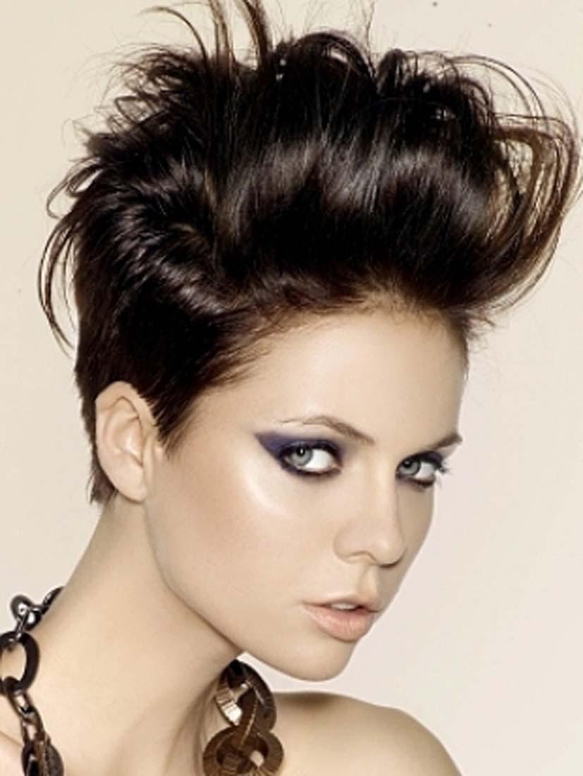 acconciature donna capelli corti - Capelli corti e ricci acconciature da copiare (Foto) Bellezza