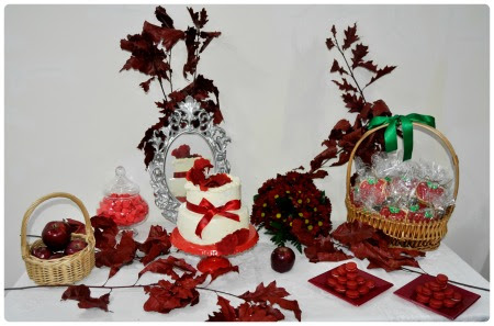 Snow White Sweet Table