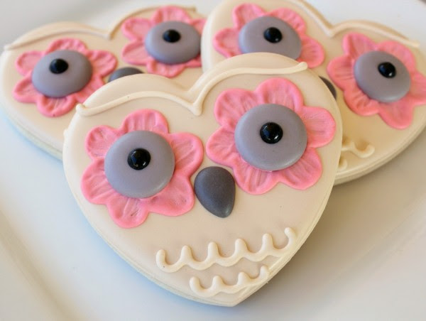 http://www.sweetsugarbelle.com/2012/01/owl-always-love-you-cookies/