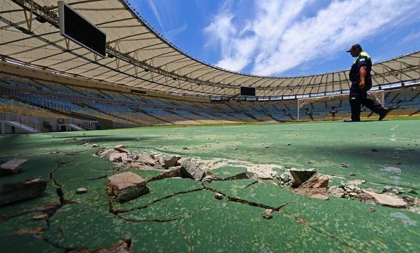 Gramado ruim simboliza abandono do Maracanã