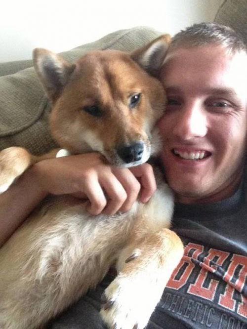Novia maliciosa vende en línea al querido cachorro de un soldado mientras este estaba desplegado