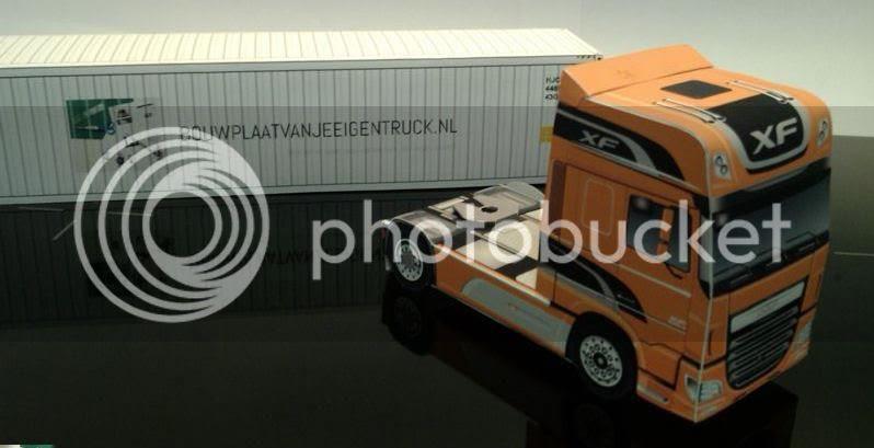 photo bouwplaat-papercraft-daf-new-xf-07_zps294dacfc.jpg