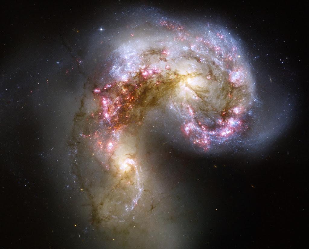 http://www.universetoday.com/wp-content/uploads/2006/10/2006-1017antenna.jpg