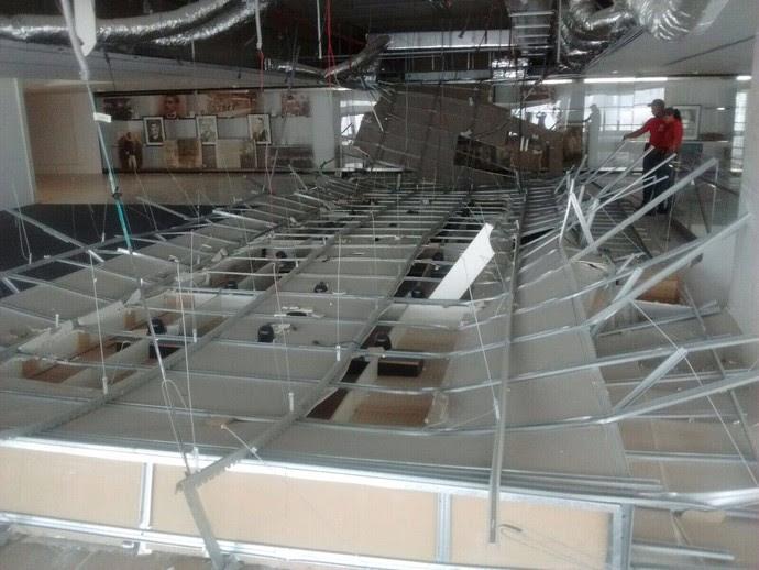 Acidente Teto Arena Corinhians 2 (Foto: GloboEsporte.com)