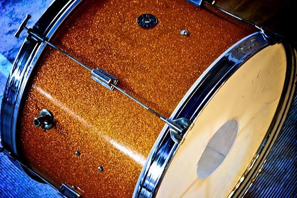 diy-drum-kit-chandelier-1