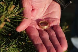 Lost Wedding Ring Returned to Grieving Husband   PEOPLE.com
