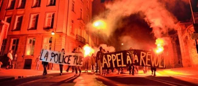 Des manifestants protestent à Rennes après la mort de Rémi Fraisse.