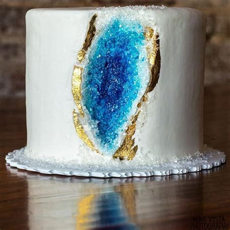 15 best images about GEODE CAKES on Pinterest   Metallic