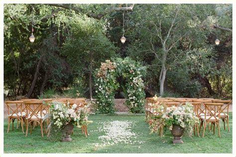 20 Stunning Wedding Aisle Decorations   FTD.com