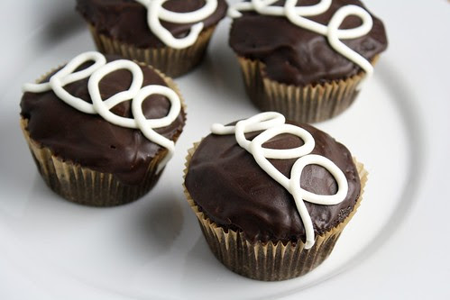 Chocolate Cupcakes with Cream Filling