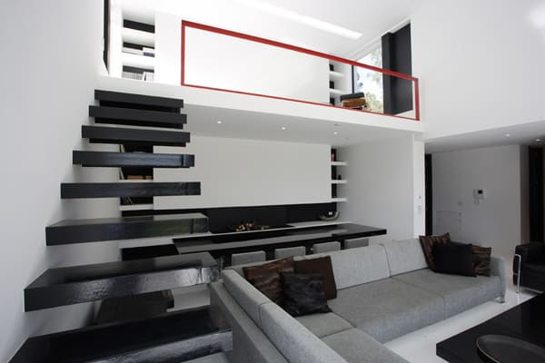 Decorating With Black and White and Red | Modern Interiors