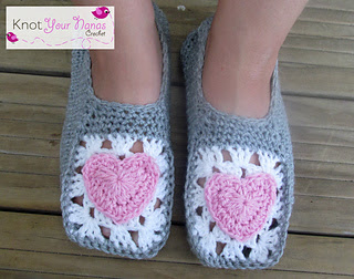 Cozy_crochet_slippers_small2