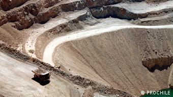 El modelo económico se sigue basando en la explotación de los recursos naturales.