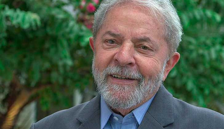 """Personalidades mundiales firman manifiesto que denuncia que """"una elección sin Lula sería una fraude""""."""