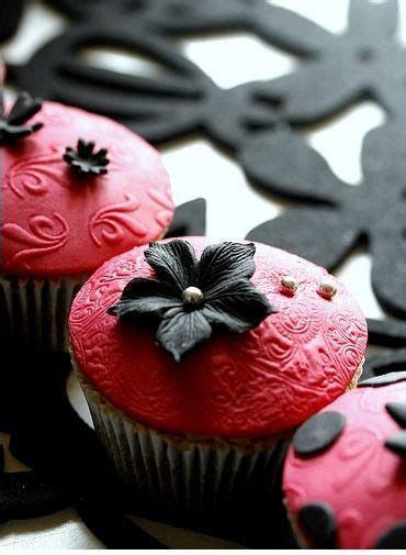 Best 25  Black cupcakes ideas on Pinterest   Black