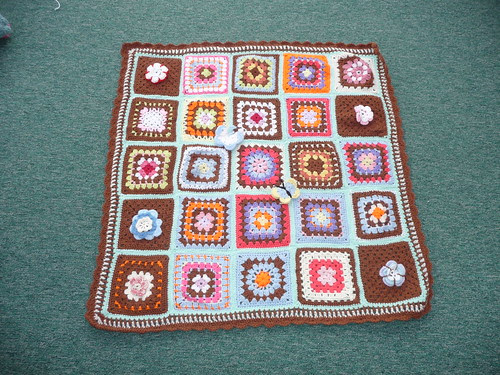 Thank you to 'jean nock'. She very kindly made and donated this gorgeous Blanket! It is so pretty!